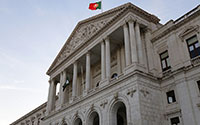 Parlamento chumba proposta do Chega para reduzir salários de políticos