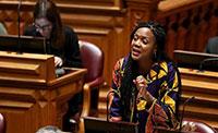Partidos de esquerda impedem Joacine de falar em sessão comemorativa