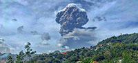 Habitantes de ilha com vulcão em erupção serão evacuados – mas só os que levaram a vacina